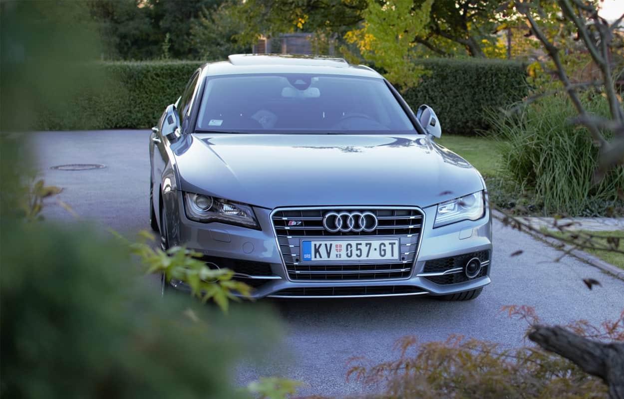 2 door luxury sports cars 10