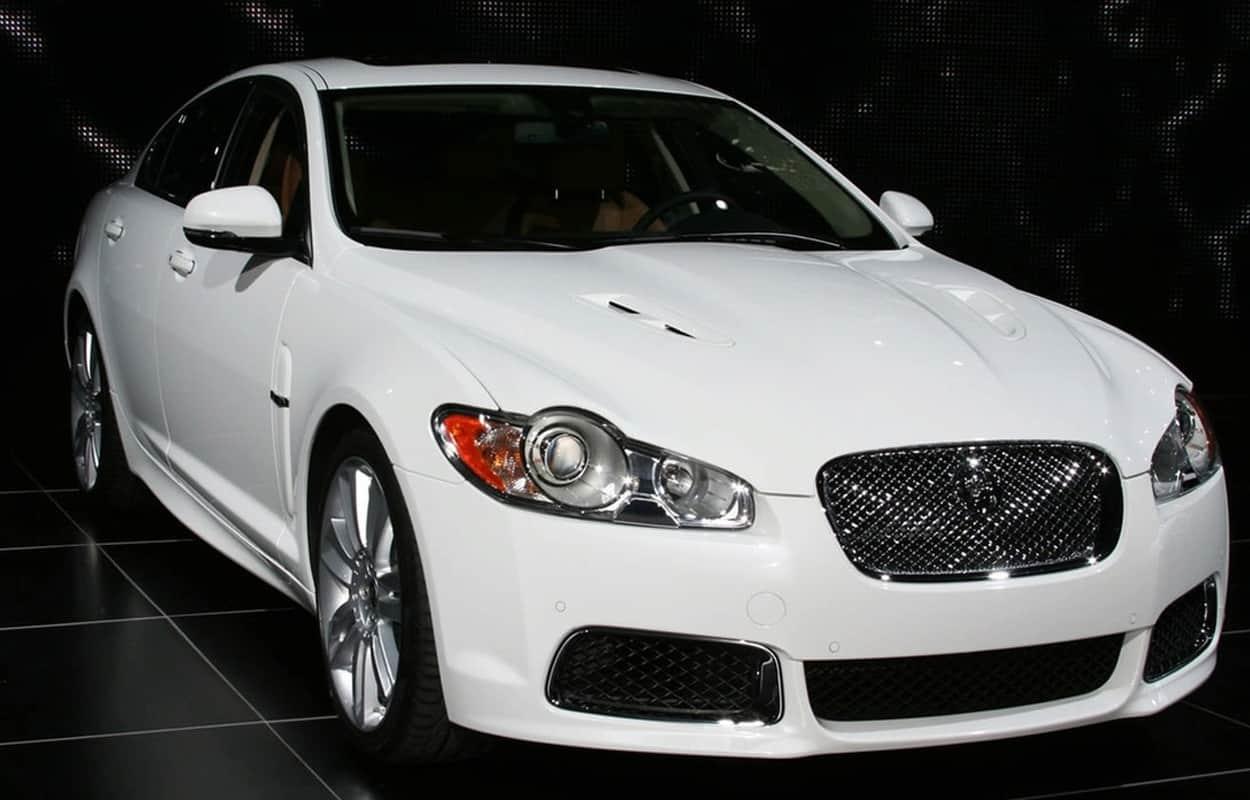 15 Cheap Luxury Cars 4
