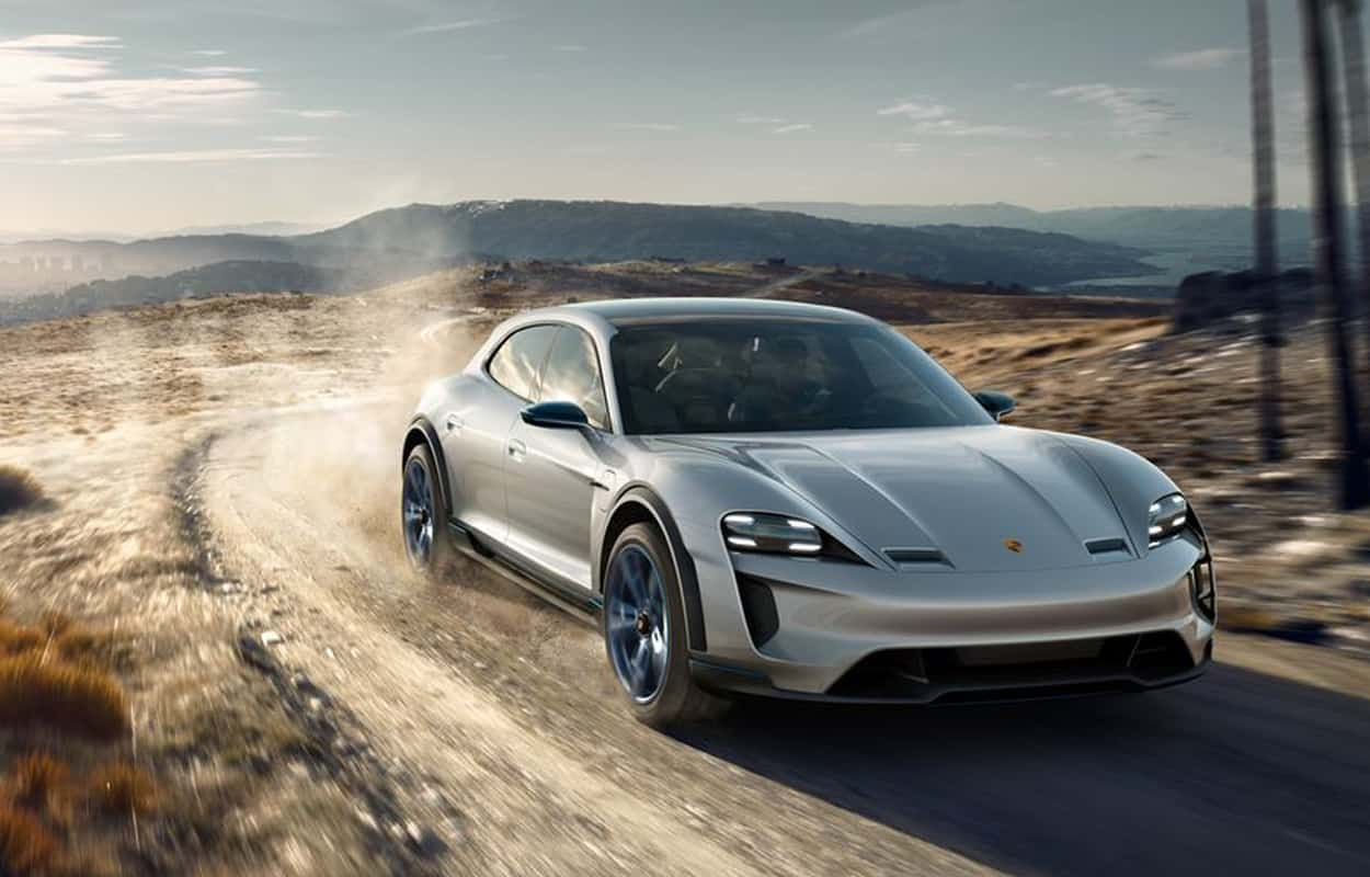2021 most luxurious cars 4