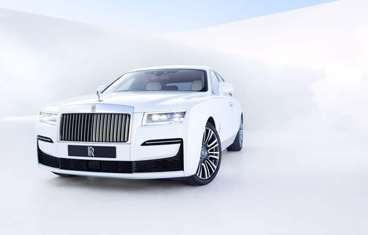 2021 most luxurious cars 7